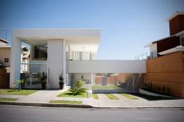 Edwiges Leal - B&L Arquitetura - Casa en Condominio Granja Serra.