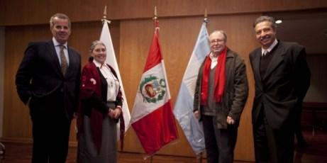 Graciela Viñuales, Ramón Gutierrez, Darío Pedro Alessandro y Óscar Quezada, Universidad de Lima, Perú