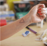 Isabel Martínez Abascal, Tatuajes.