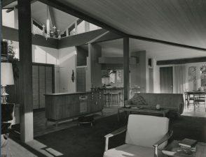 Jean Linden Young. Clayton y Jean Young y Asociados. Vivienda con cocina integrada. Clyde Hill, Washington.