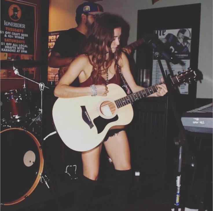 Kaylin Roberson performing