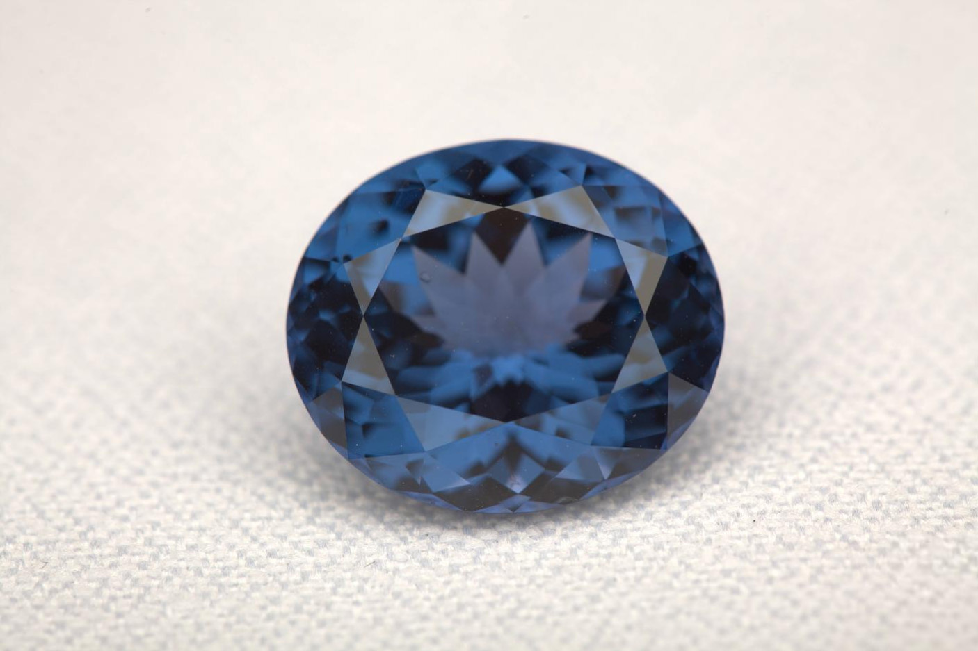 birthstone-august-spinel-sri-lanka-blue-spinel