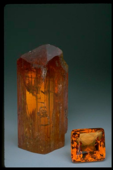 birthstone-november-topaz-imperial-raw-cut
