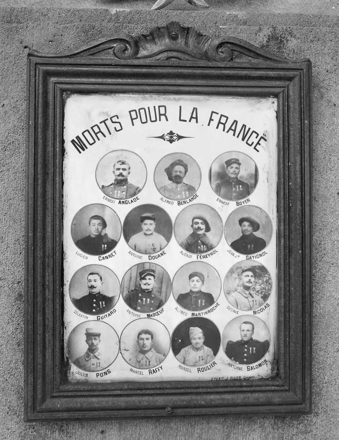 Montaigut-le-Blanc : cimetiËre, plaque sur le monument aux mort. Fabrication J. Ollier ‡ Limoges