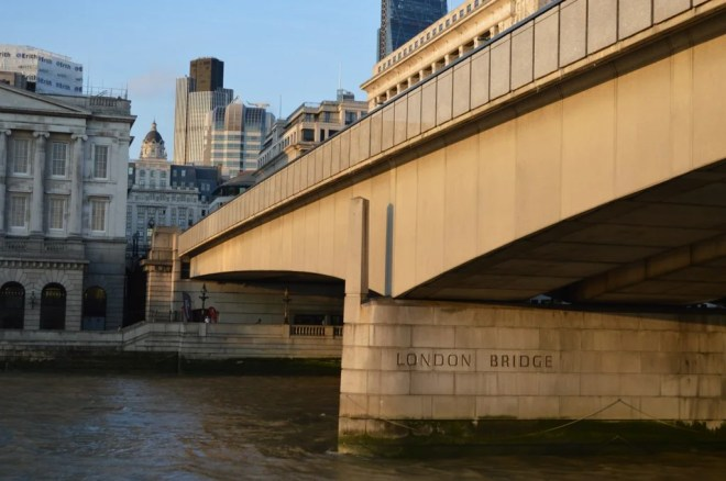 london bridge photo
