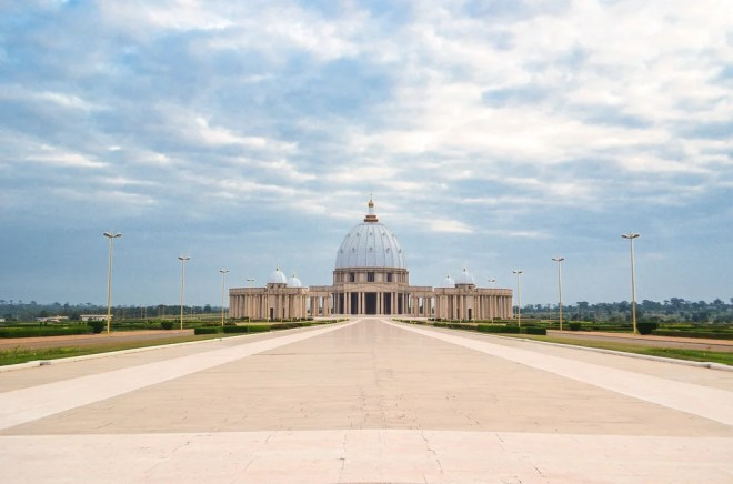 Basilique Notre-Dame de la Paix photo