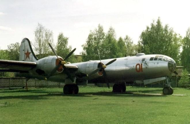 Tupolev Tu4 utilisé le 14 septembre