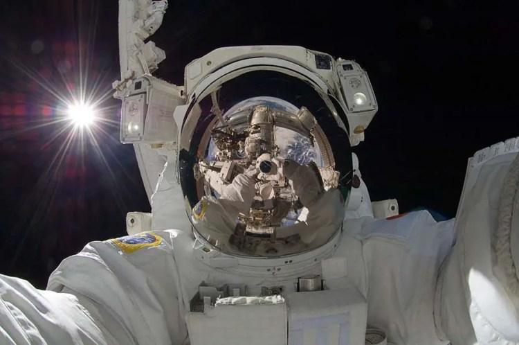 selfie dans l'espace