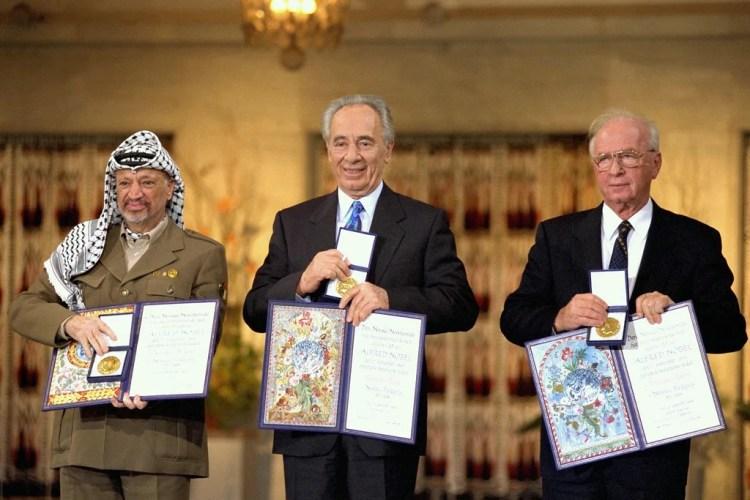 yitzhak rabin yasser arafat photo
