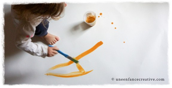 Peinture enfant jaune