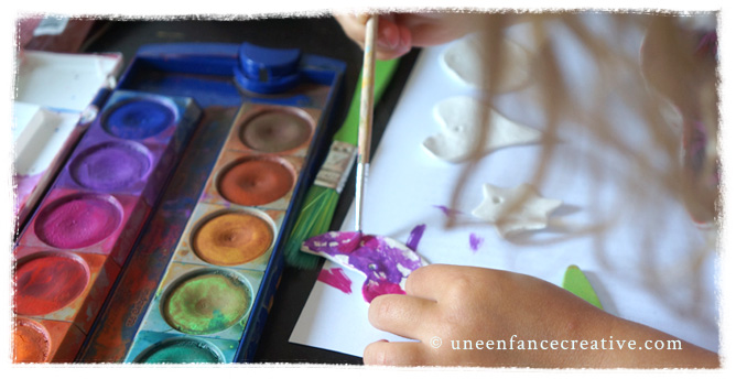 Peinture de la pâte de modelage