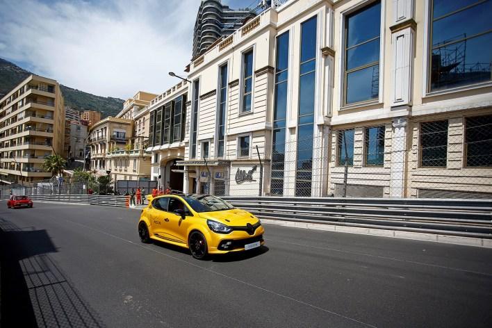 Renault_78792_global_fr