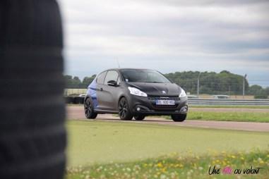 Peugeot 208 GTi by Peugeot Sport La Ferté Gaucher