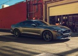 ford-mustang-2018-gris