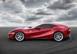 Ferrari 812 Supergast profil 1