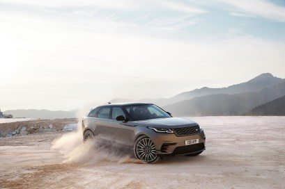 range-rover-velar-dynamique-terre