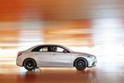 Mercedes Classe A berline 2018 profil dynamique jantes