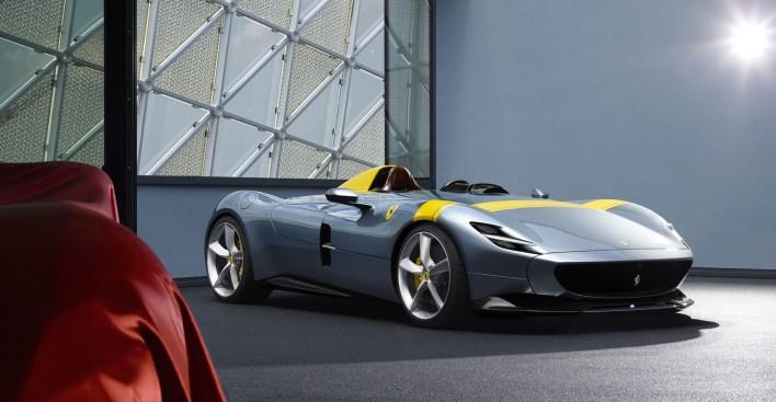 Ferrari Monza SP1 profil avant jantes feux barquette