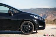 Nissan Micra N-Sport jantes 17 pouces noir feux