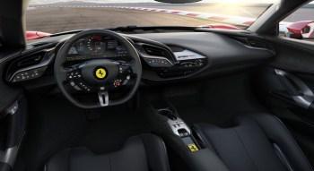 Ferrari SF90 Stradale intérieur volant écran sièges
