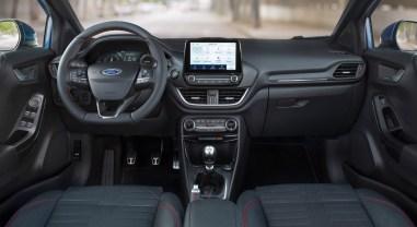 Ford Puma 2019 intérieur écran volant combiné