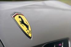 Ferrari GTC4 Lusso logo capot détail