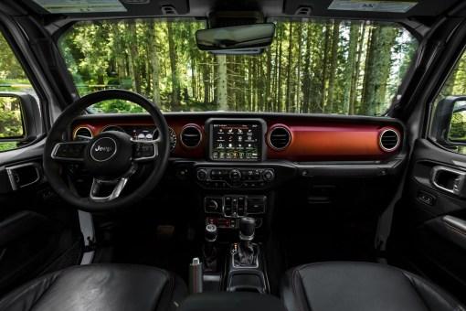 Jeep Gladiator 2019 intérieur volant écran sièges