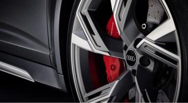 Audi RS6 Avant 2019 jantes détail étriers de frein