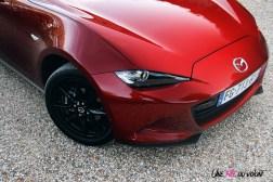 Essai Mazda MX-5 détail capot jantes 16 pouces