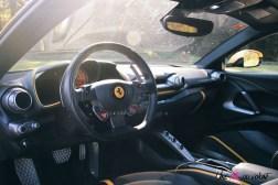 Road-Trip Ferrari Paris-Mulhouse 812 Superfast intérieur volant sièges