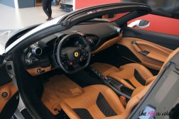 Road-Trip Ferrari Paris-Mulhouse F8 Spider intérieur SF Grand Est
