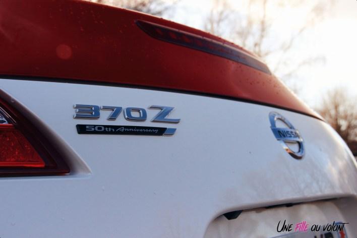 Photos Essai Nissan 370Z 50me anniversaire logo coffre