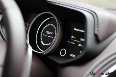 Photos essai Aston Martin DB11 combinŽ d'instrumentation