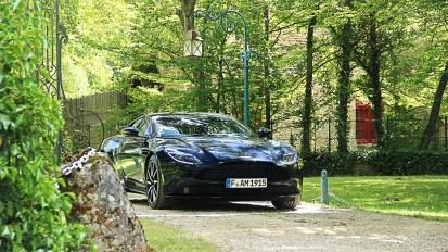 Photos essai Aston Martin DB11 avant statique