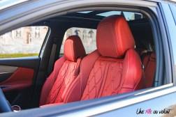 Photo sièges avant rouges Peugeot 3008 restylée