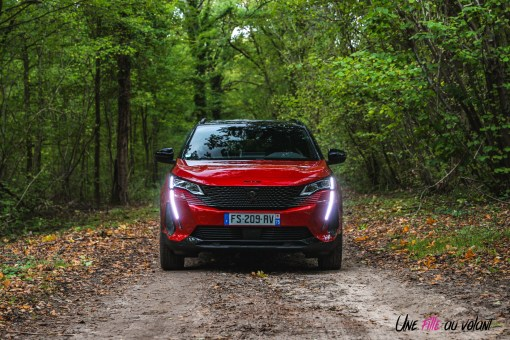 Photo face avant Peugeot 5008 restylée 2020