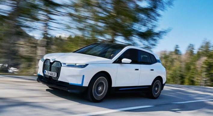 Photo dynamique BMW iX 2021
