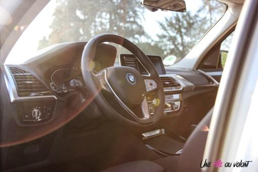 Photo volant BMW iX3 2020