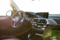 Photo intérieur BMW iX3 électrique 2020