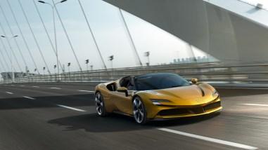 Photo face avant Ferrari SF90 Spider 2020