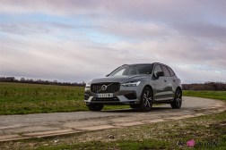 Photo Volvo XC60 T6 r-design 2020