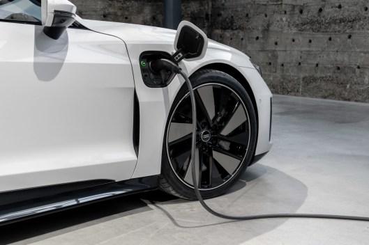 Audi e-tron GT quattro Colour: Suzuka gray