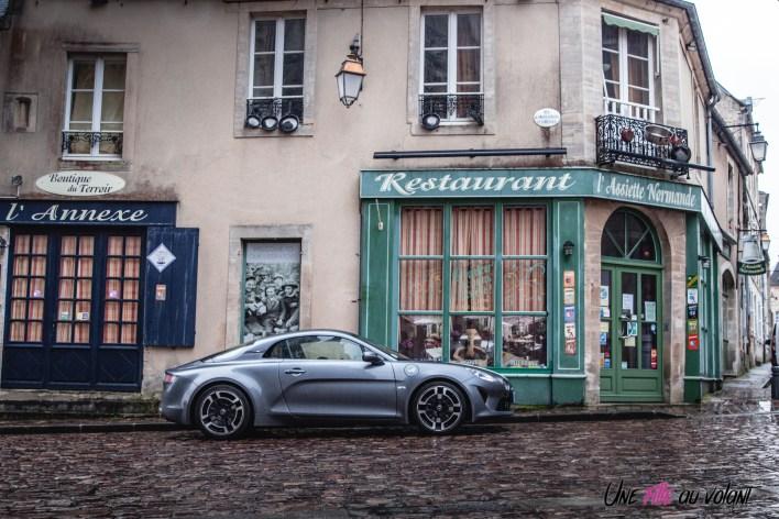 Photo lifestyle profil Alpine A110 Legende 2021
