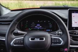 Photo combiné numérique Jeep Compass 4xe hybride rechargeable