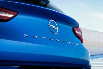 Photo arrière Opel Grandland 2021