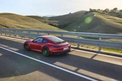 Photo dynamique Porsche 911 GTS 2021