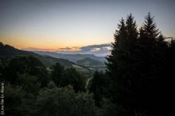 Au lever du jour aux Chambres d'hôtes La Petite Finlande à Orbey - Crédit Photo Céline Schnell Une Fille En Alsace