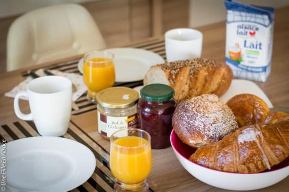 Petit déjeuner de la chambre Bretz'elle à Meistratzheim - Photo Céline Schnell Une Fille En Alsace