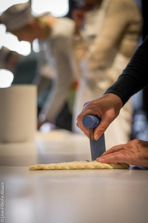 Atelier main à la pâte à la Maison du Pain d'Alsace Selestat - Photo Céline Schnell Une Fille En Alsace