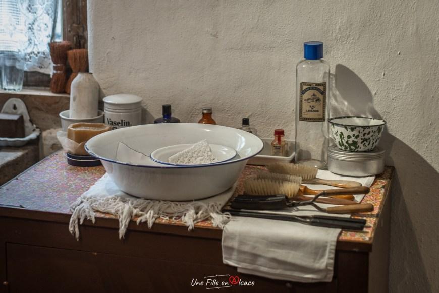 salle-de-bain-maison-rurale de-loutre-foret-kutzenhausen@Céline-Schnell-Une-Fille-En-Alsace-2020